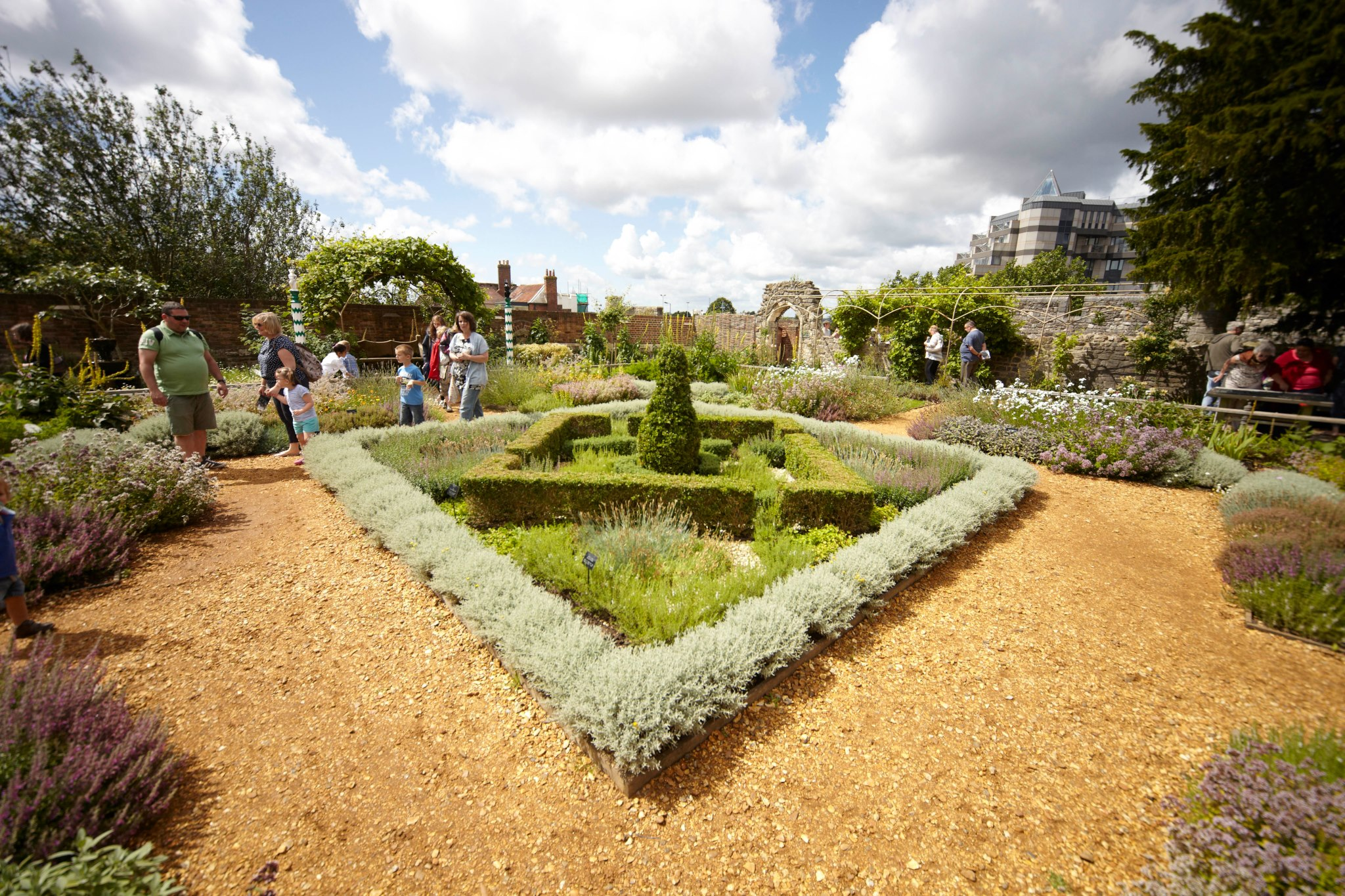 Tudor house and garden 1