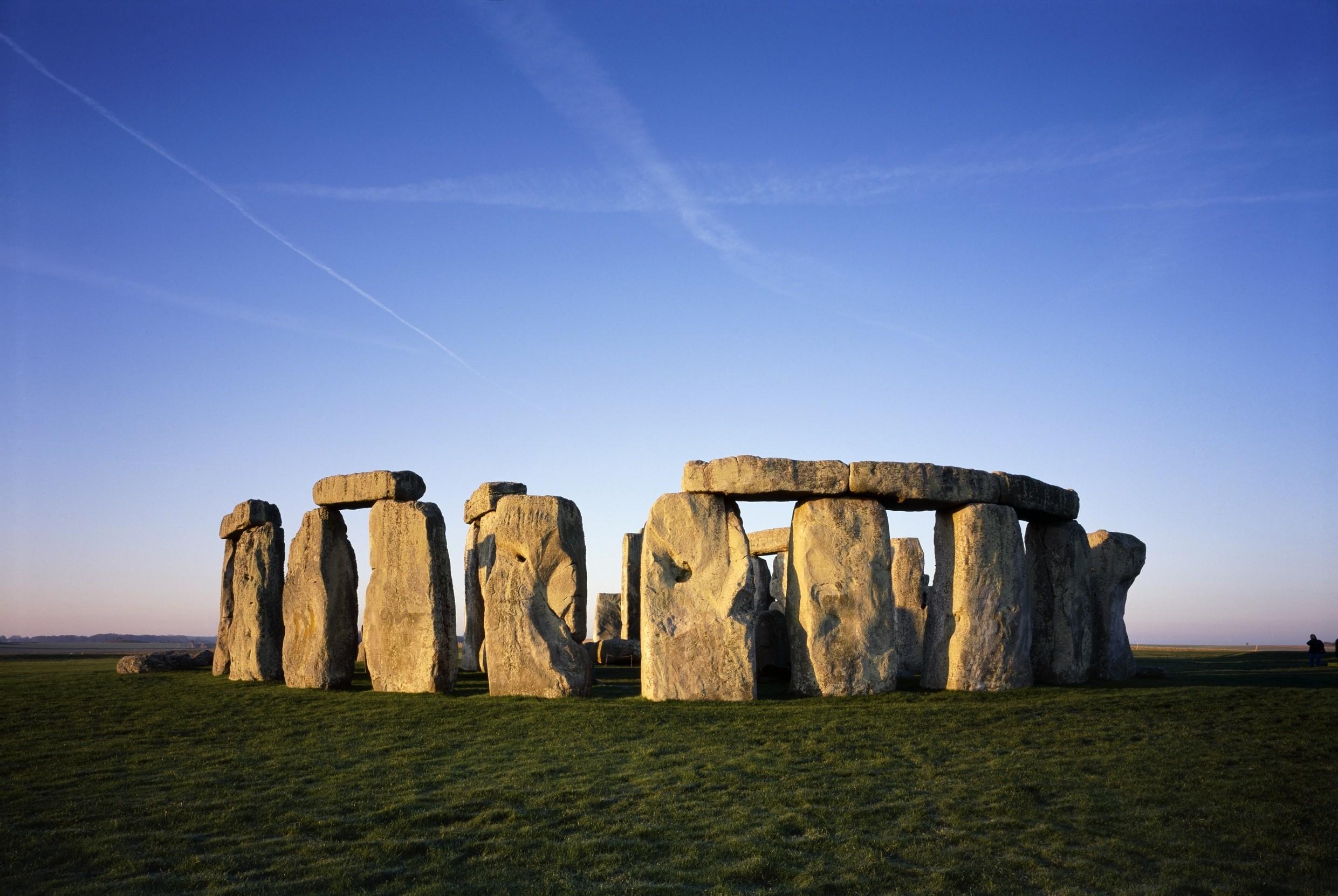 South west stonehenge k021102 1