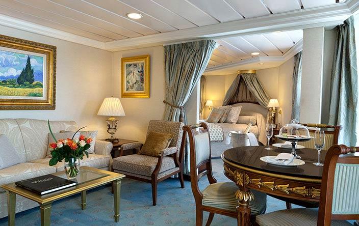Oceania Nautica Vista Suite.jpg