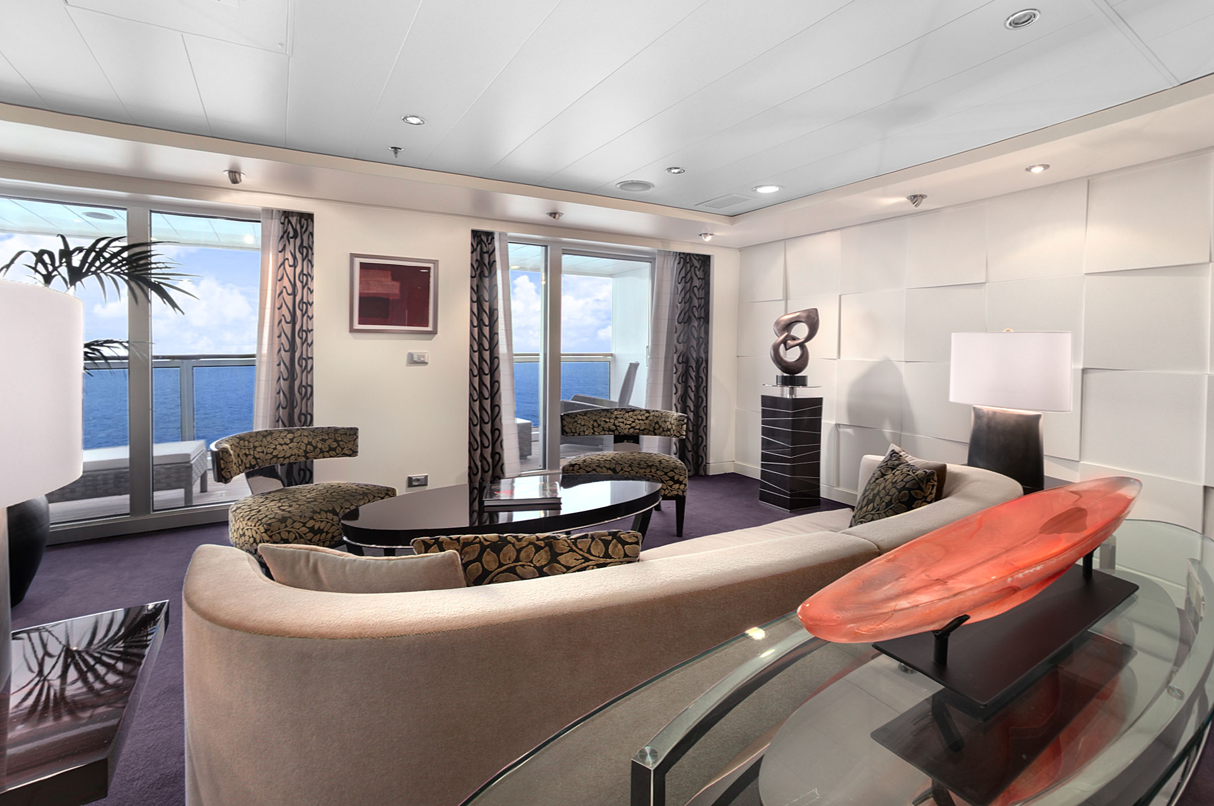 Oceania Cruises Oceania Class Accommodation Oceania Suite Living Room.jpg