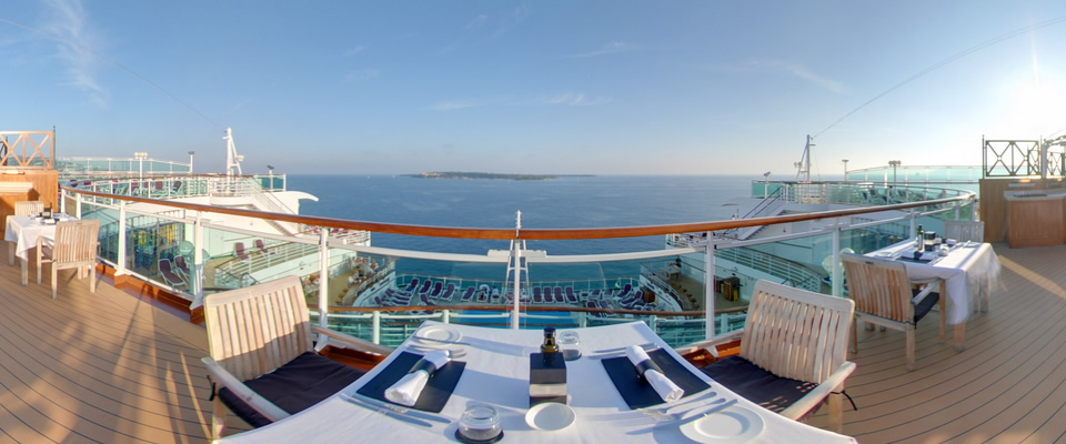 P&O Cruises Ventura Exterior White Room Terrace.jpg