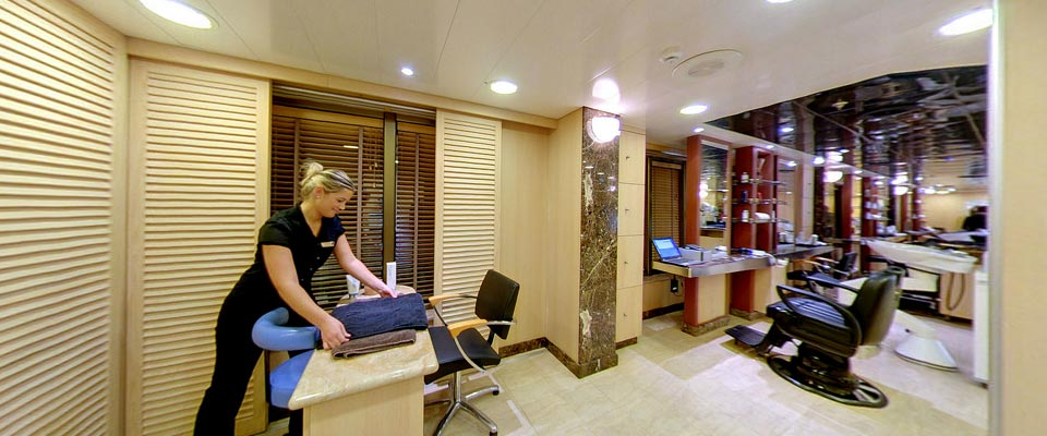 P&O Cruises Ventura Interior Oasis Spa Nail Bar.jpg