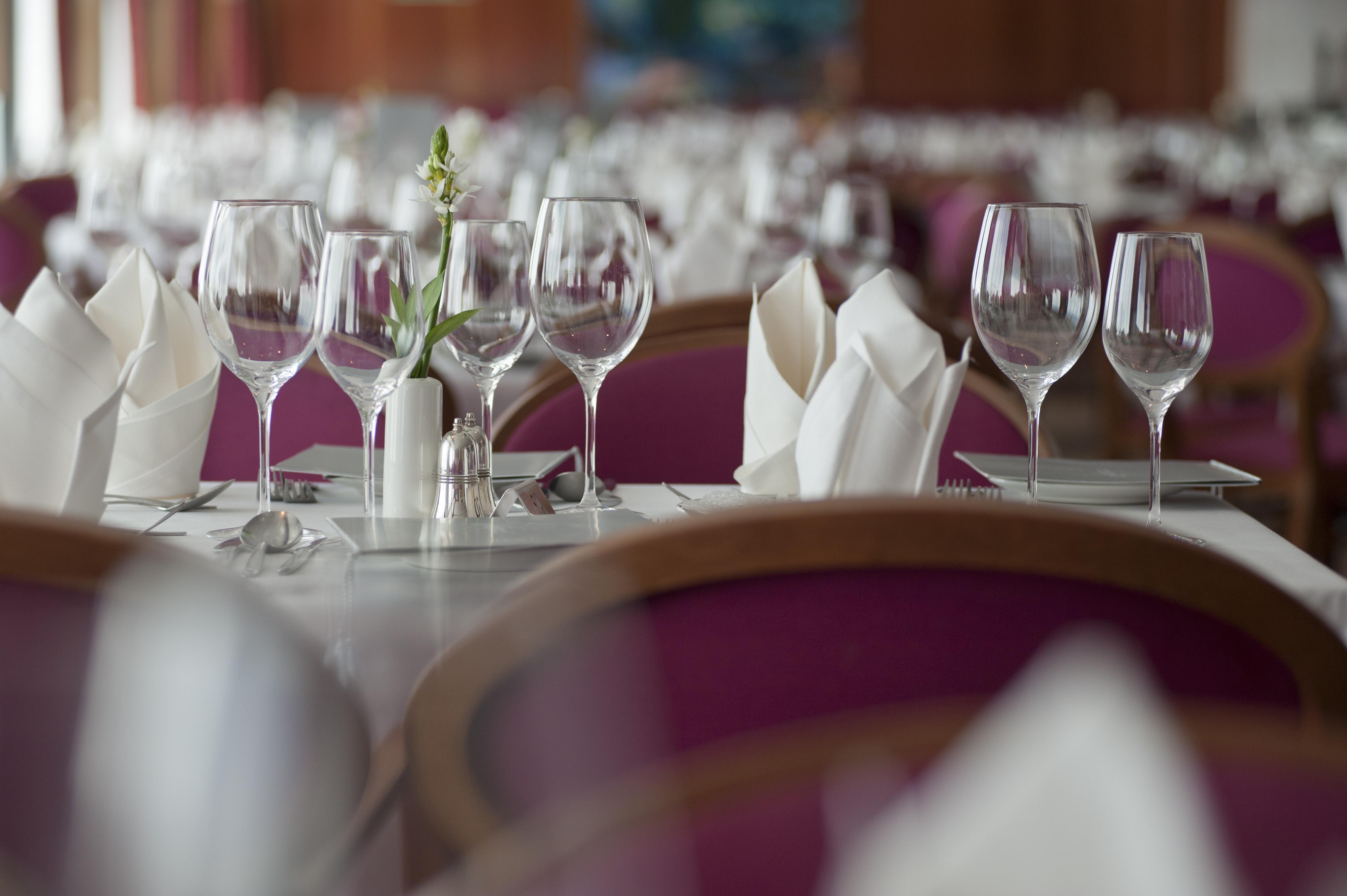 Fred Olsen Cruise Lines Boudicca Interior Tintagel Restaurant 7.jpg