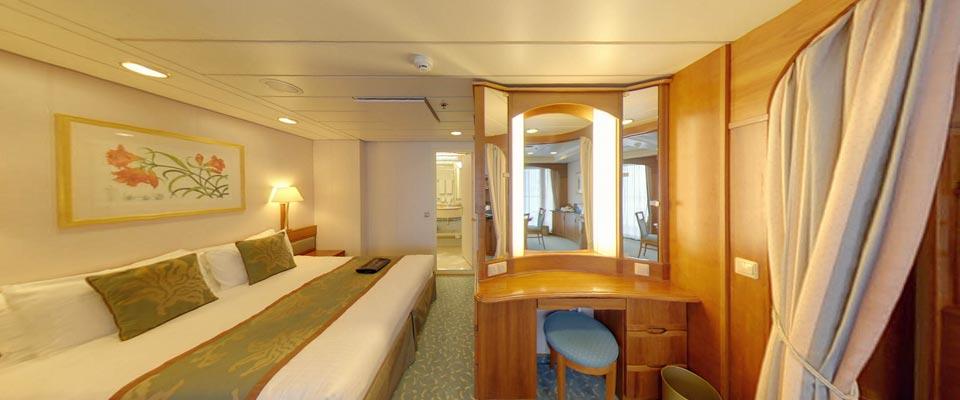 P&O Cruises Aurora Accommodation Suite.jpg