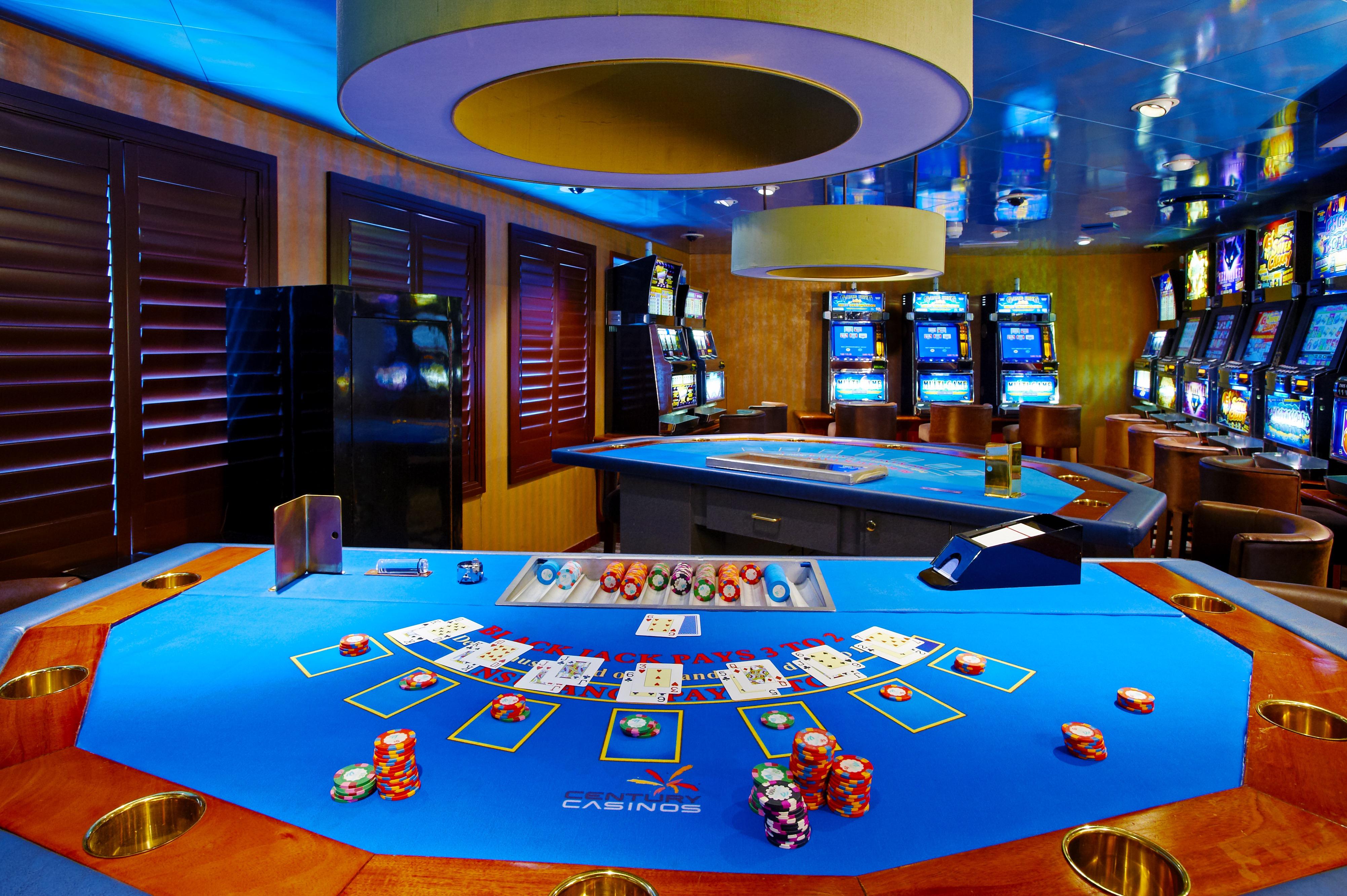Windstar Wind Star & Wind Spirit Interior Casino 1.jpg