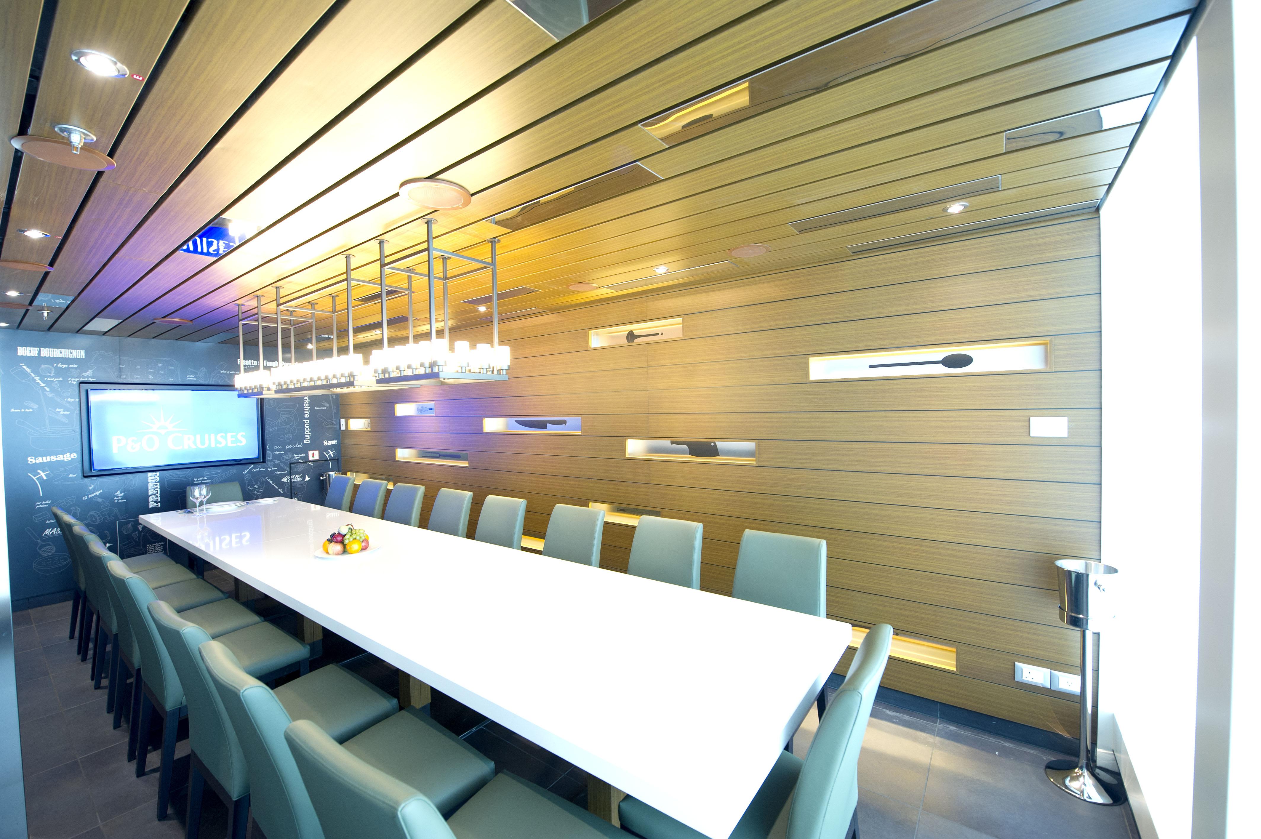 P&O Cruises Britannia Interior Cookery Club Ds39542.jpg