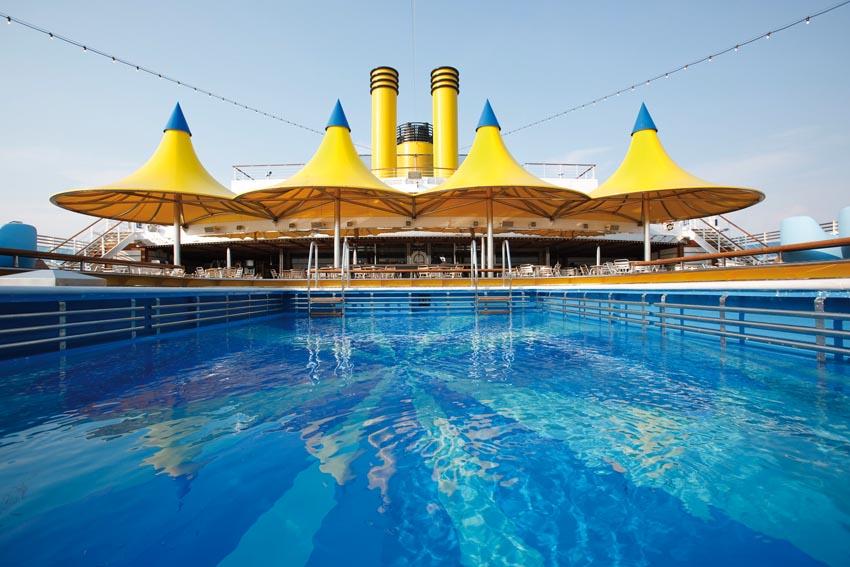 Costa Luminosa Swimming Pool 1.jpg