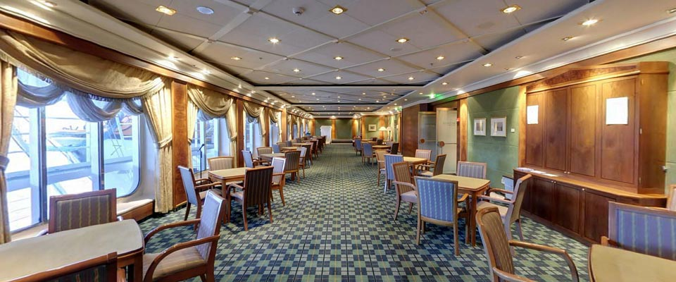 P&O Cruises Oriana Interior Chrichtons.jpg