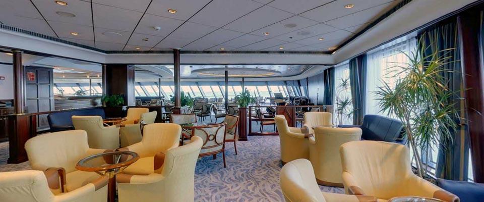 P&O Cruises Oriana Interior The Crows Nest.jpg