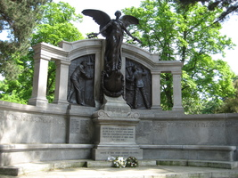 Titanic engineers memorial1