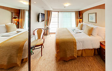 Tauck Jewel Class Accommodation Emerald_Category4.jpg