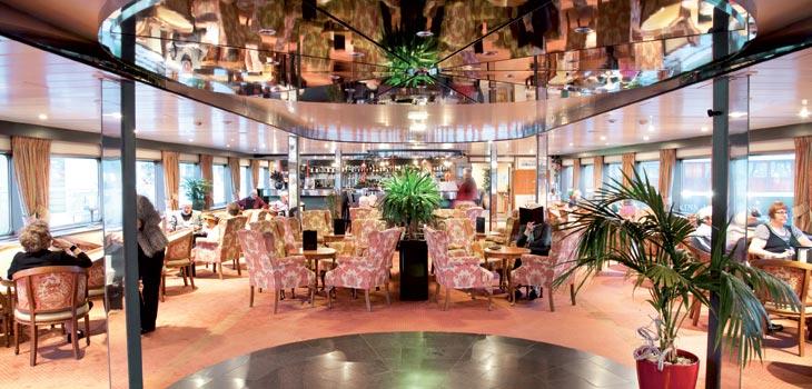 Saga River Cruises Rex Rheni Interior Lounge 1.jpg