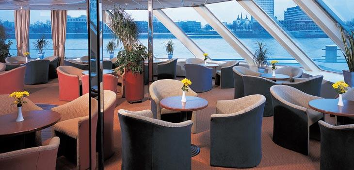 Saga River Cruises Filia Rheni II Interior Bar Lounge.jpg