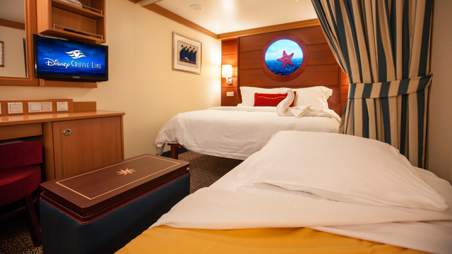 Disney Cruise Lines Disney Dream & Fantasy Accomm Interior G07-DDDF-standard-inside-stateroom-cat11ABC-07.jpg