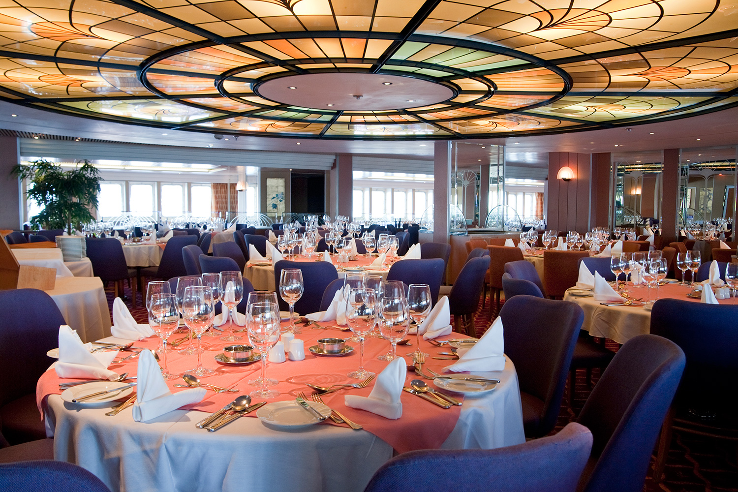 Cruise & Maritime Voyages Marco Polo Interior Waldorf Restaurant.jpg