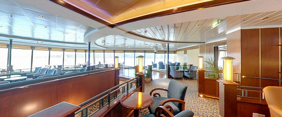 P&O Cruises Aurora Interior The Crows Nest 1.jpg