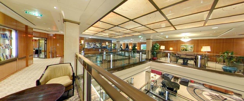 P&O Cruises Aurora Interior Atrium 1.jpg
