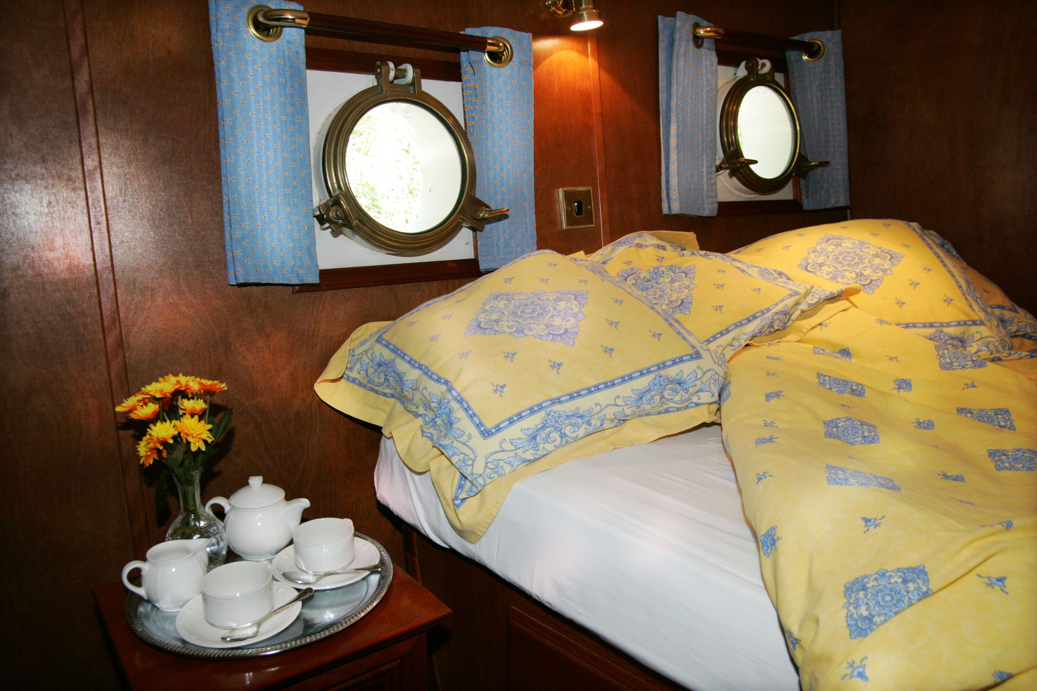 European Waterways Anjodi Accommodation Double Cabin.jpg