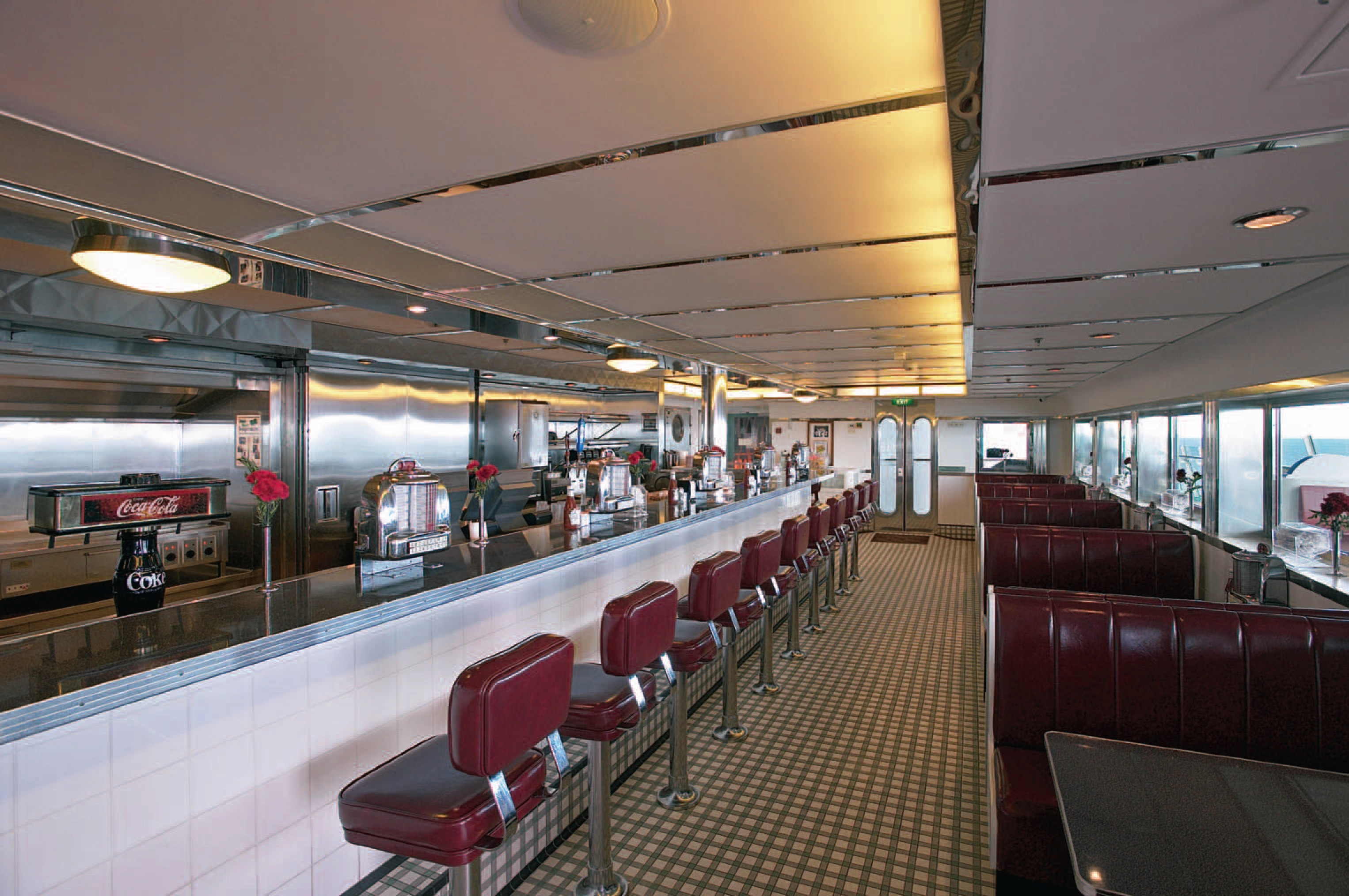 Royal Caribbean International Mariner of the Seas Interior Johnny Rockets.jpg