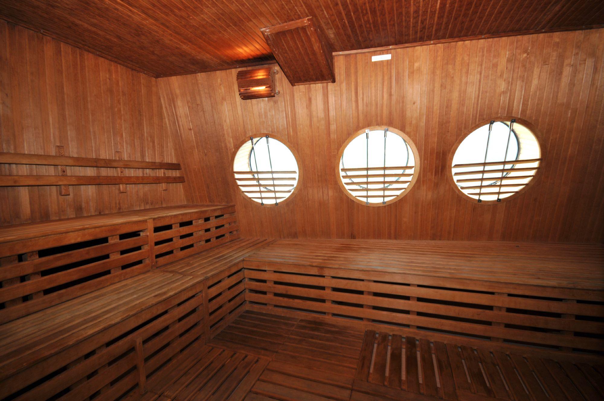Hurtigruten Cruise Lines MS Fram Interior Sauna 2.jpg