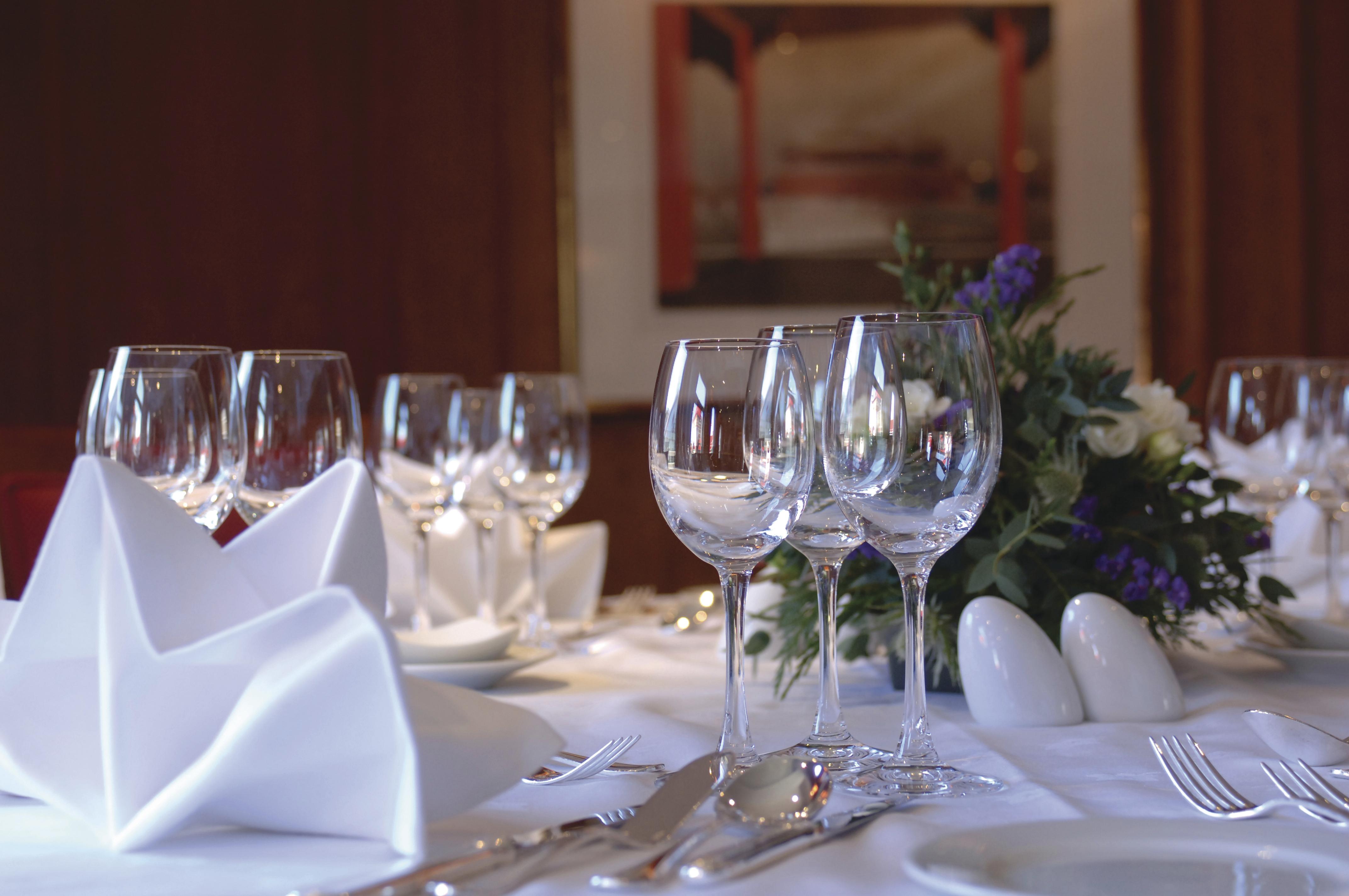 Hebridean Island Cruises Hebridean Princess Interior Columba Restaurant 5.jpg