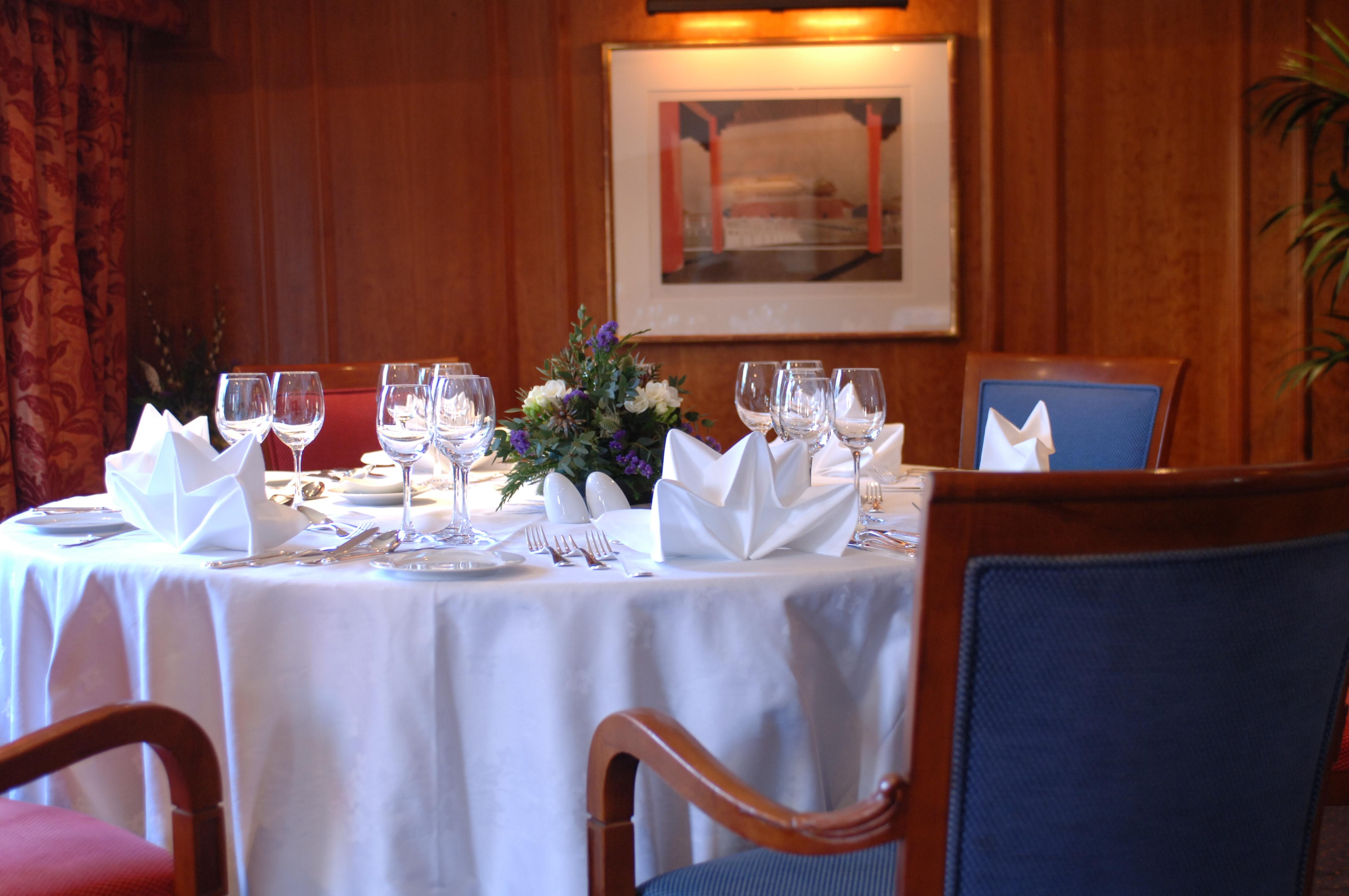 Hebridean Island Cruises Hebridean Princess Interior Columba Restaurant 4.jpg