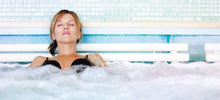 Norwegian Cruise Line Norwegian Jewel Exterior Hot Tubs.jpg