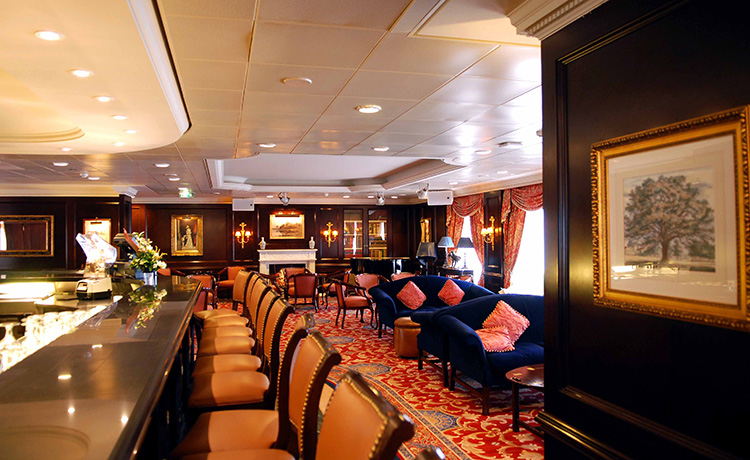 Princess Cruises Coral Class op_casino_bar_lg.jpg