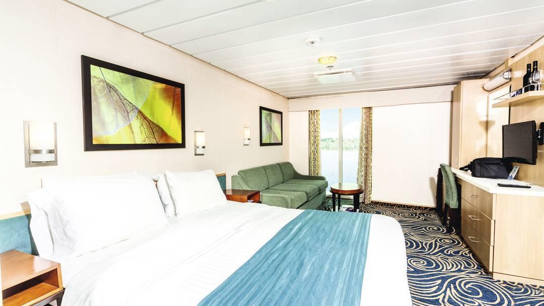 Marella Discovery - Deluxe Cabin