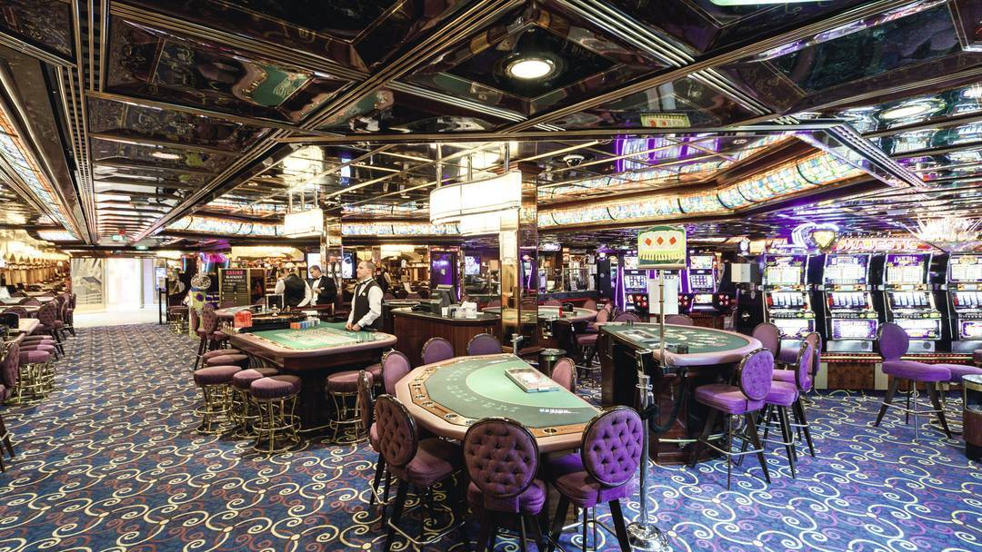 Thomson Cruise Thomson Discovery Interior Casino and Bar 2.jpg