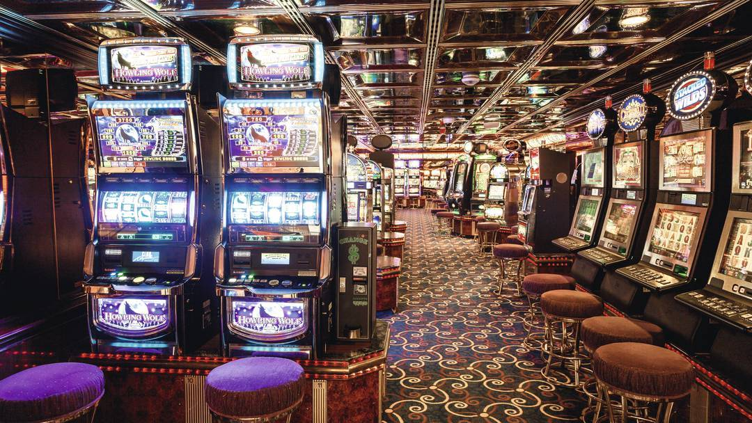 Thomson Cruise Thomson Discovery Interior Casino and Bar 1.jpg