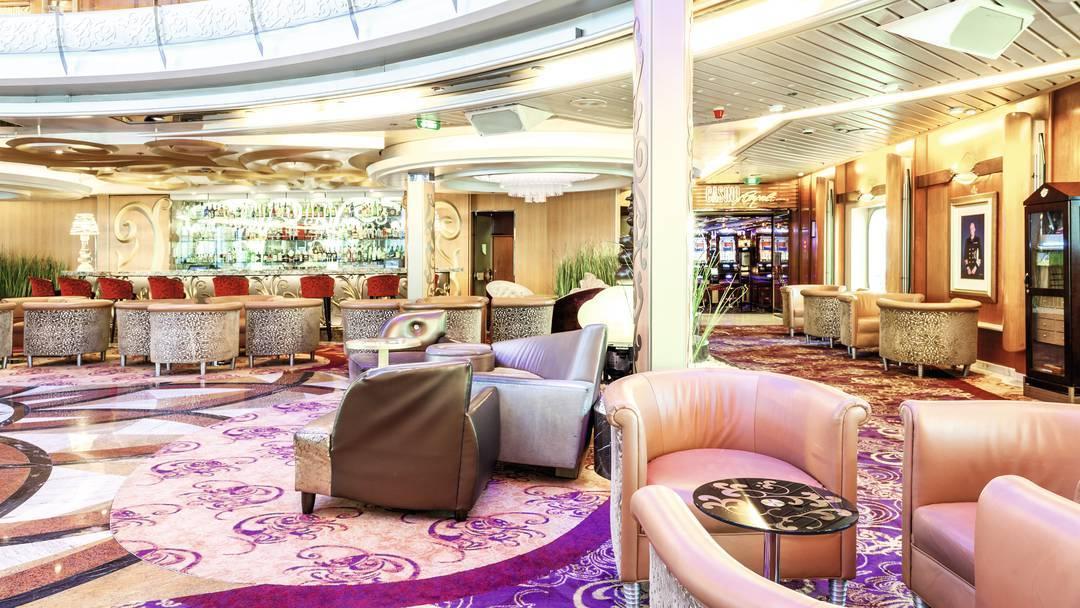 Thomson Cruise Thomson Discovery Interior Atrium Bar 2.jpg