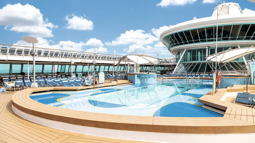 Thomson Cruise Thomson Discovery Exterior Main Pool 3.jpg