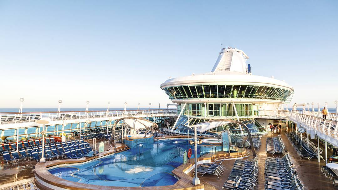 Thomson Cruise Thomson Discovery Exterior Main Pool 2.jpg