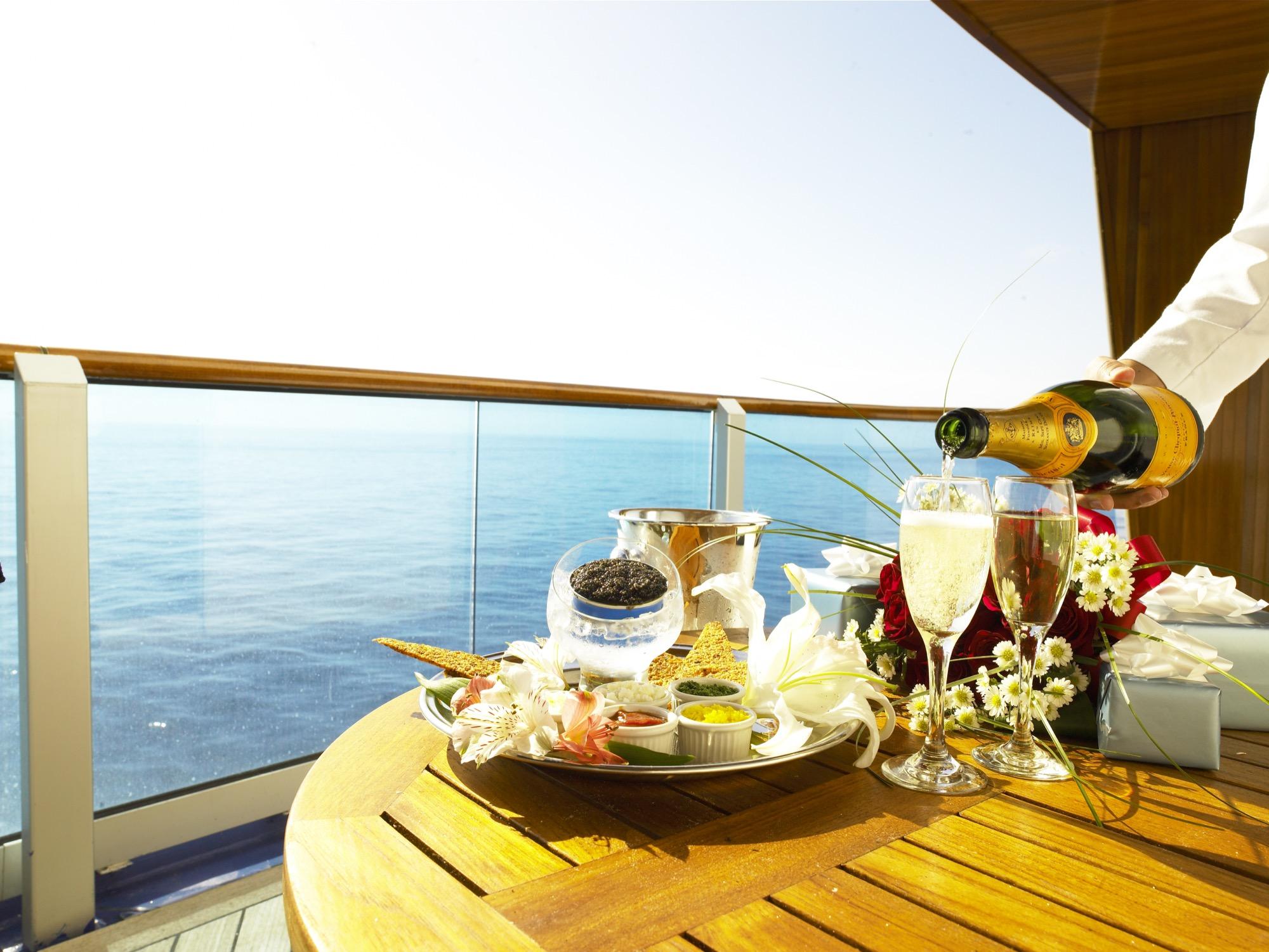 Princess Cruises Royal Class Interior balcony dining 3.jpg