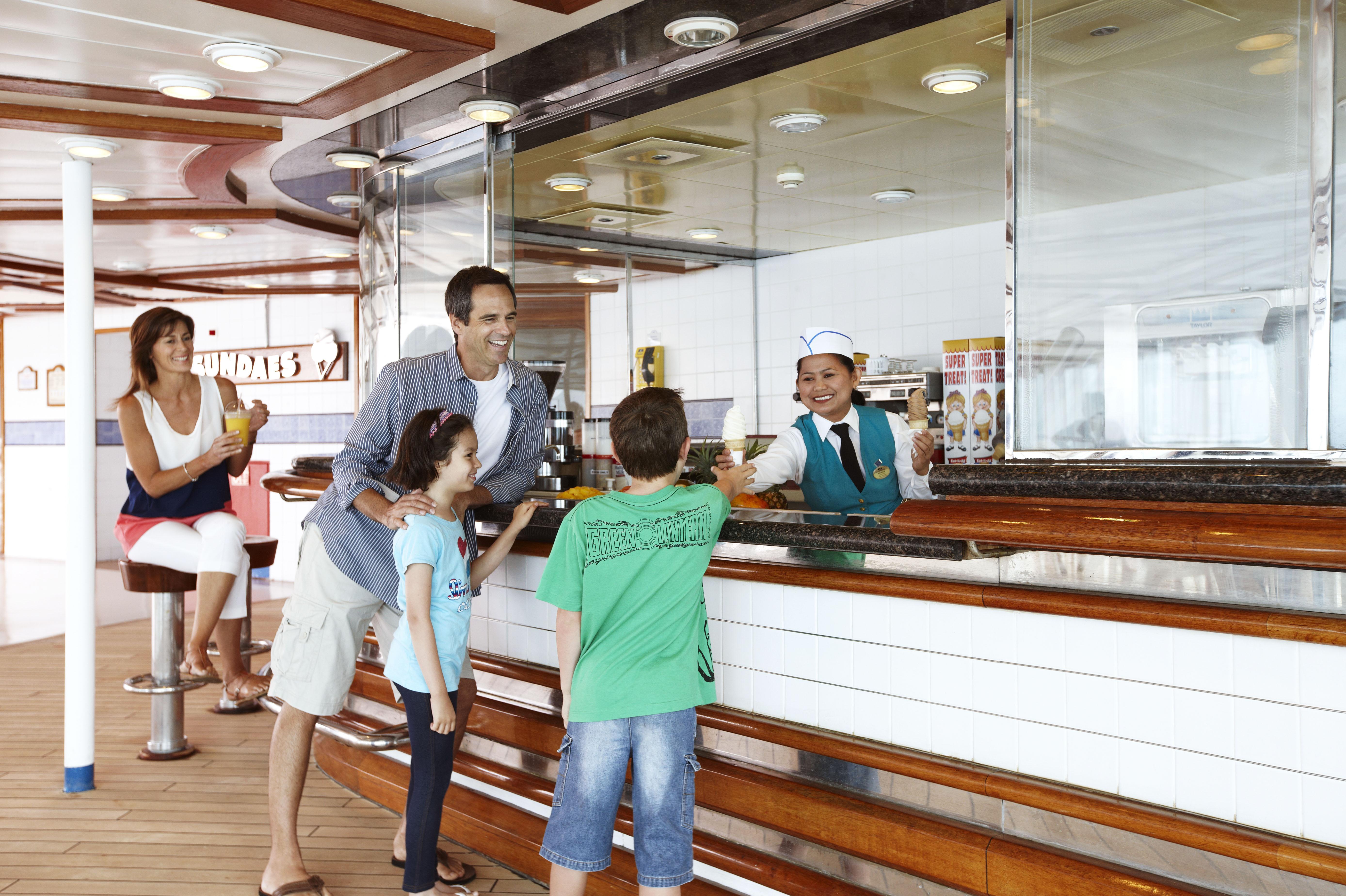 Princess Cruises Coral Class casual dining 2.jpg
