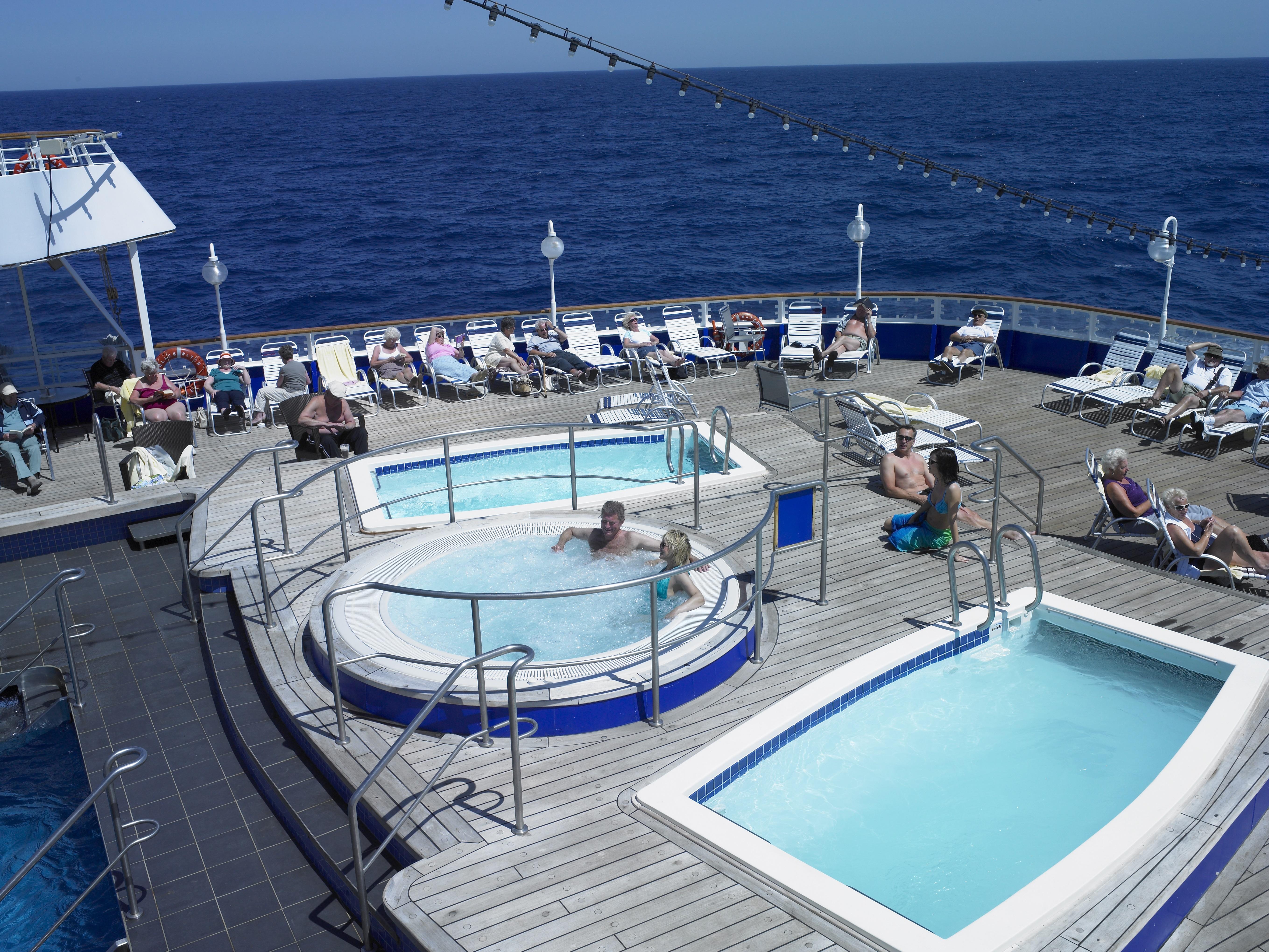 Fred. Olsen Cruise Lines Black Watch Pool 1.jpg