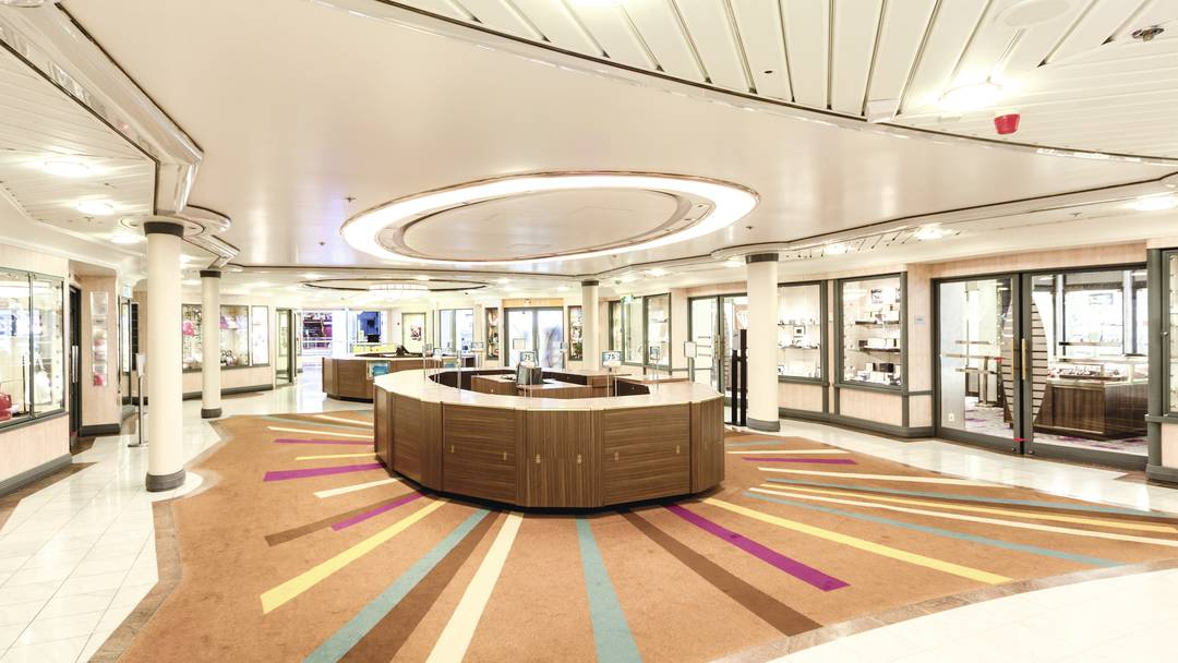 Thomson Cruise Thomson Discovery Interior Broad Street Shops.jpg