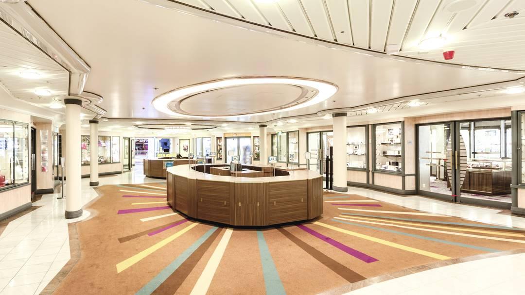 Thomson Cruise Thomson Discovery Interior Broad Street Shops.jpg