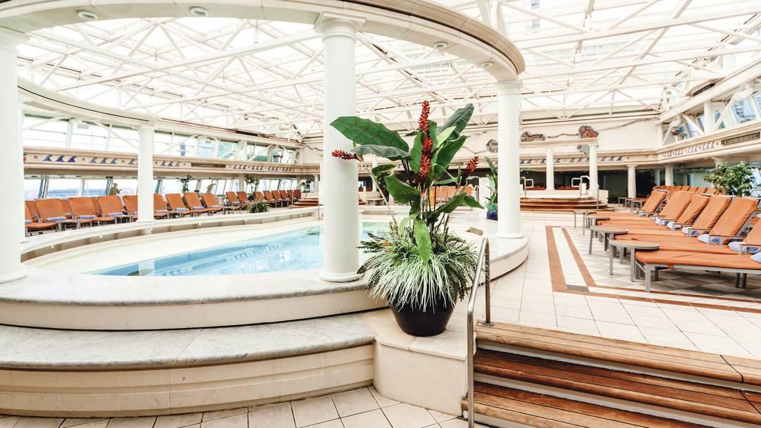 Thomson Cruise Thomson Discovery Interior Indoor Pool and Solarium 3.jpg