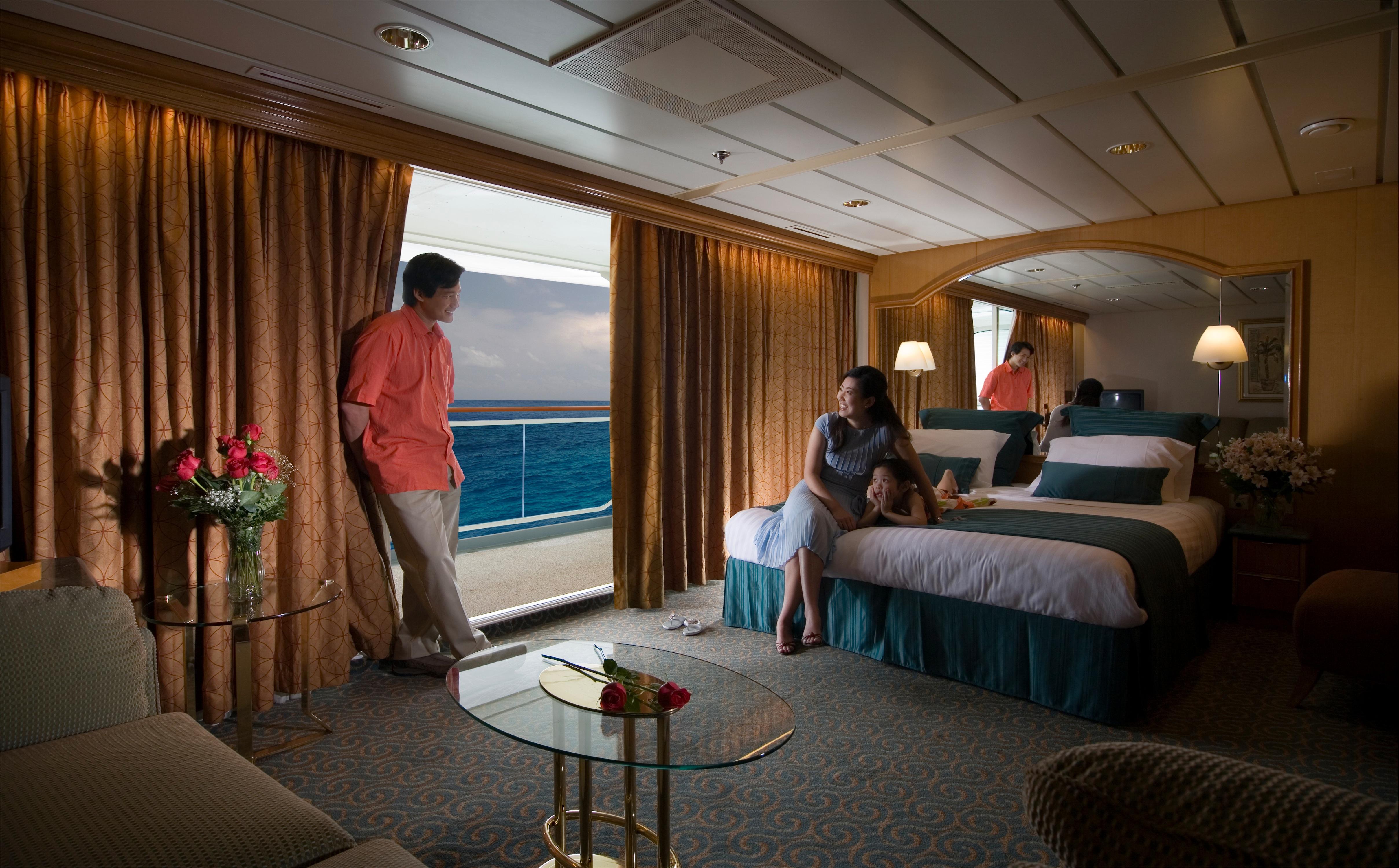 Royal Caribbean International Rhapsody of the Seas Accommodation Grand Suite 2.jpg