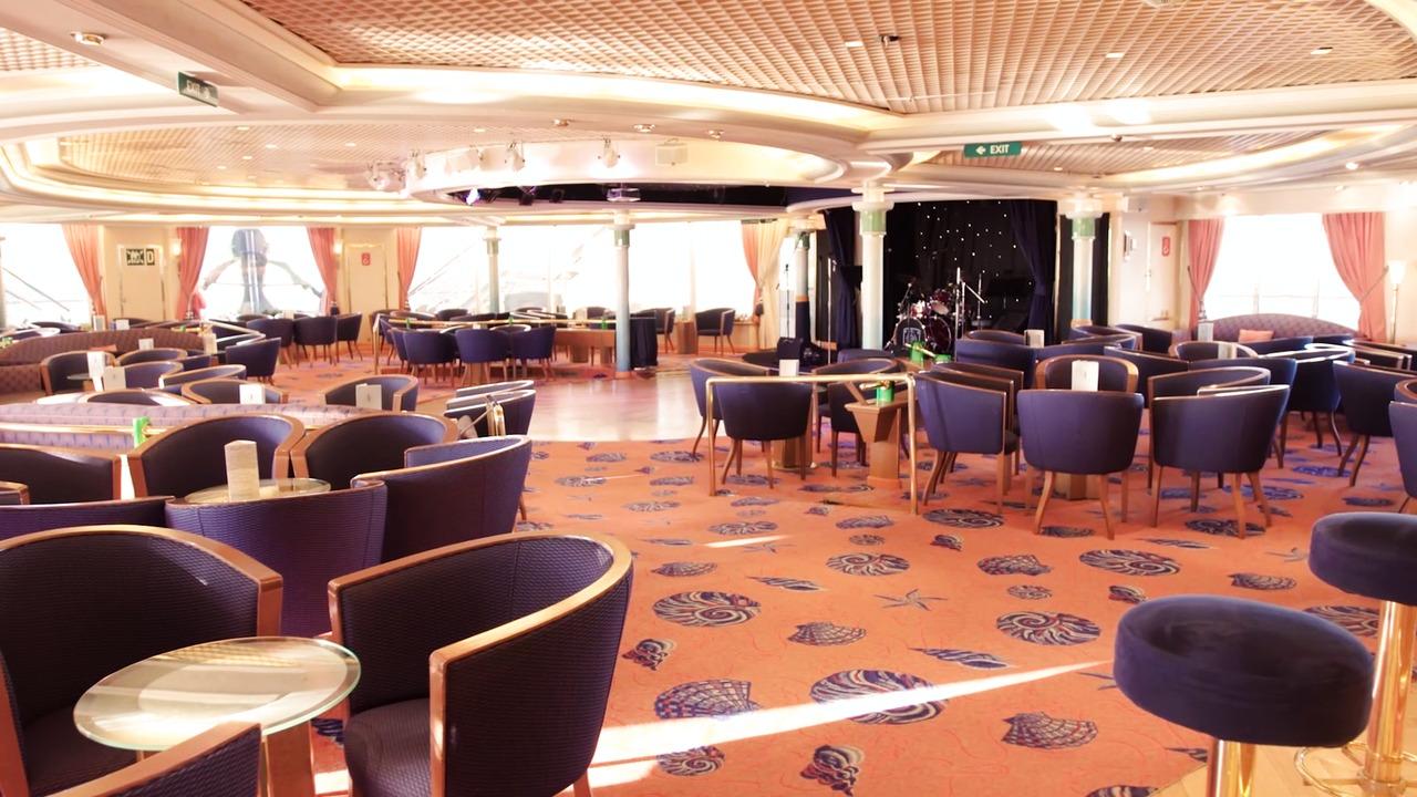 Fred Olsen Cruises Braemar Coral Club.jpg