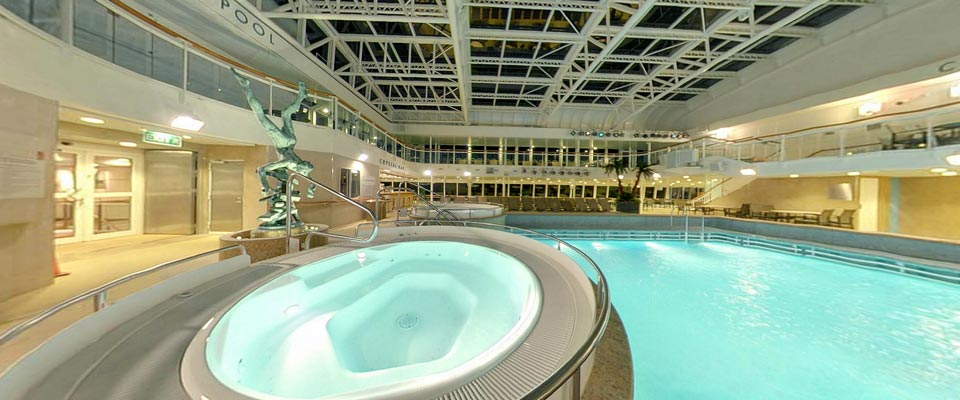 P&O Cruises Aurora Exterior Crystal Pool 3.jpg