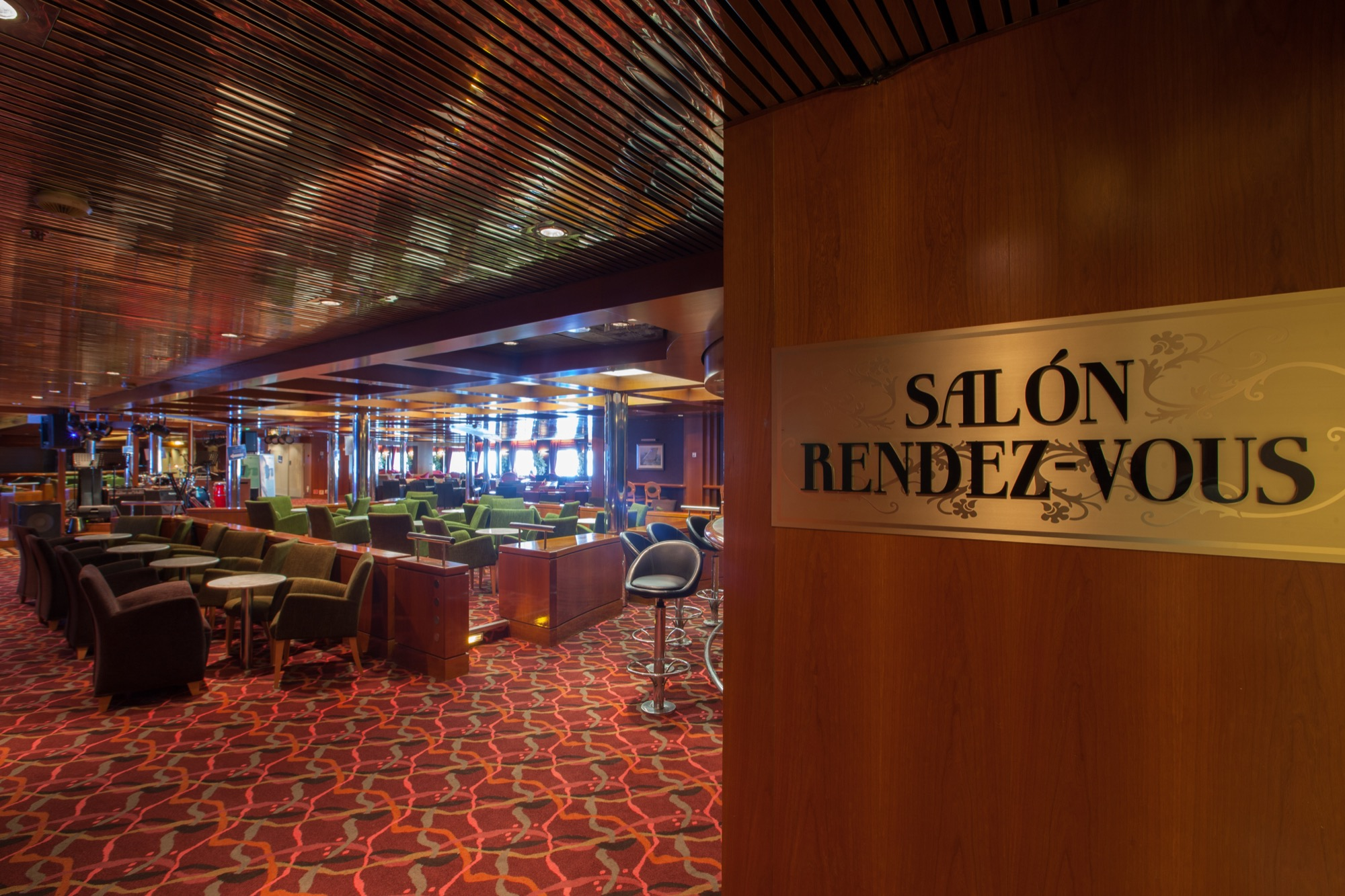 Pullmantur Zenith Interior Rendez-Vous Lounge 1.jpg