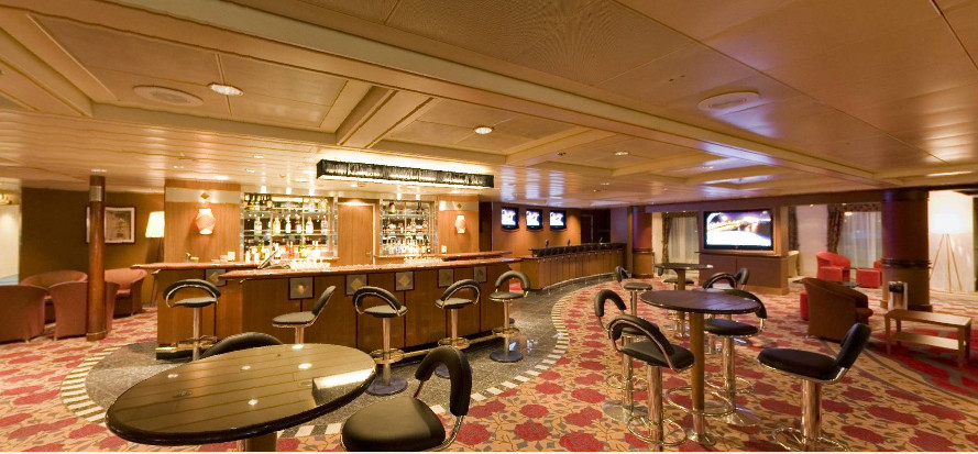 Pullmantur Zenith Interior Casino Bar 2.jpg