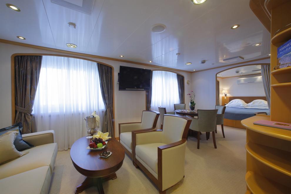 SeaDream Yacht Club Accommodation Admiral Suite 2.jpg