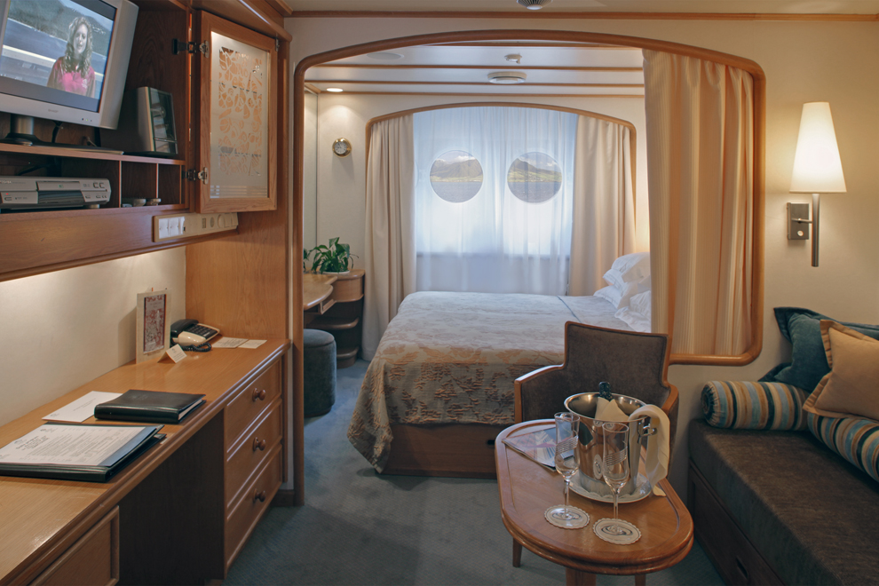 SeaDream Yacht Club Accommodation Yacht Club Stateroom Deck 2.jpg