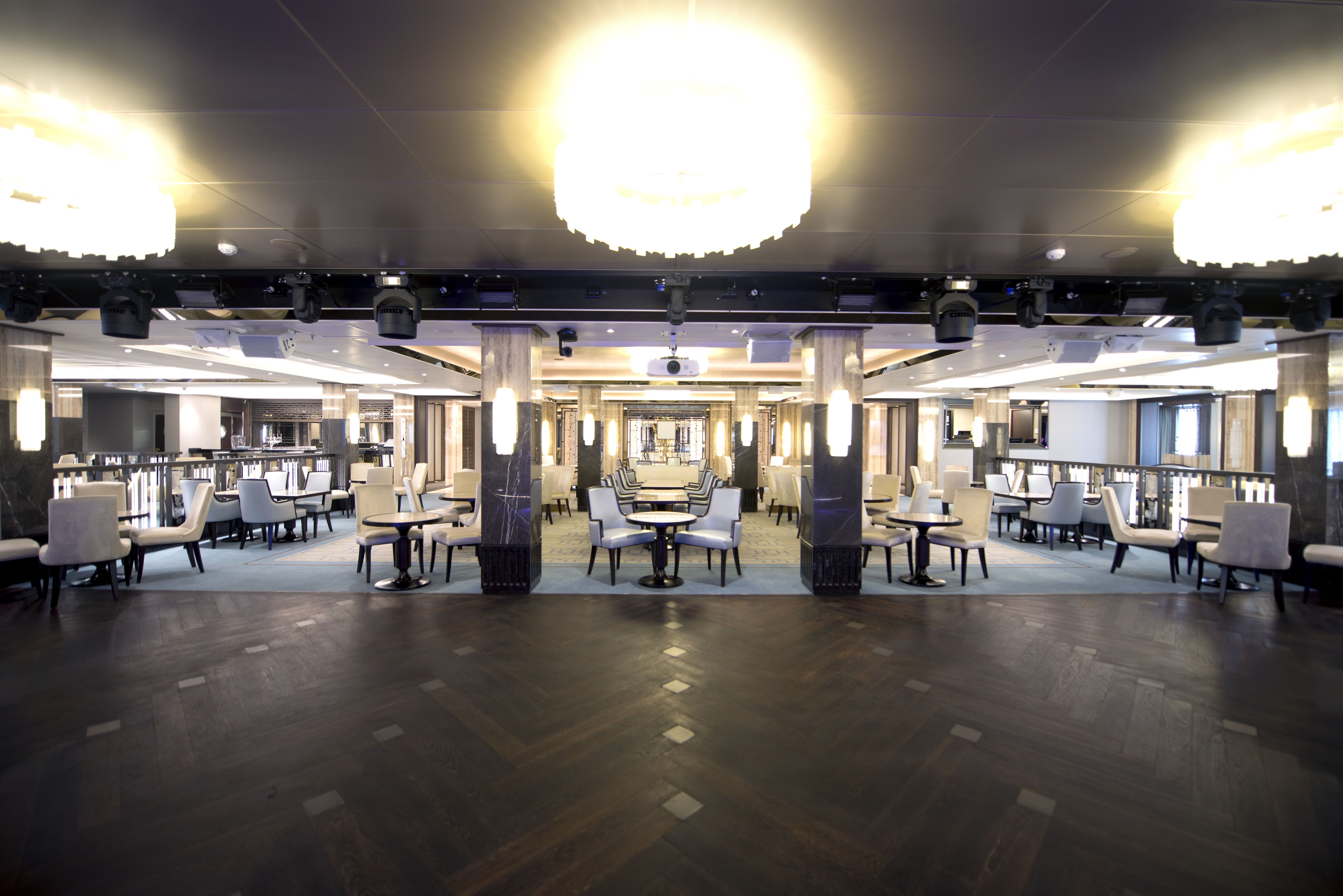 P&O Cruises Britannia Interior Crystal Room D806807 [Tif 14714596202].jpg