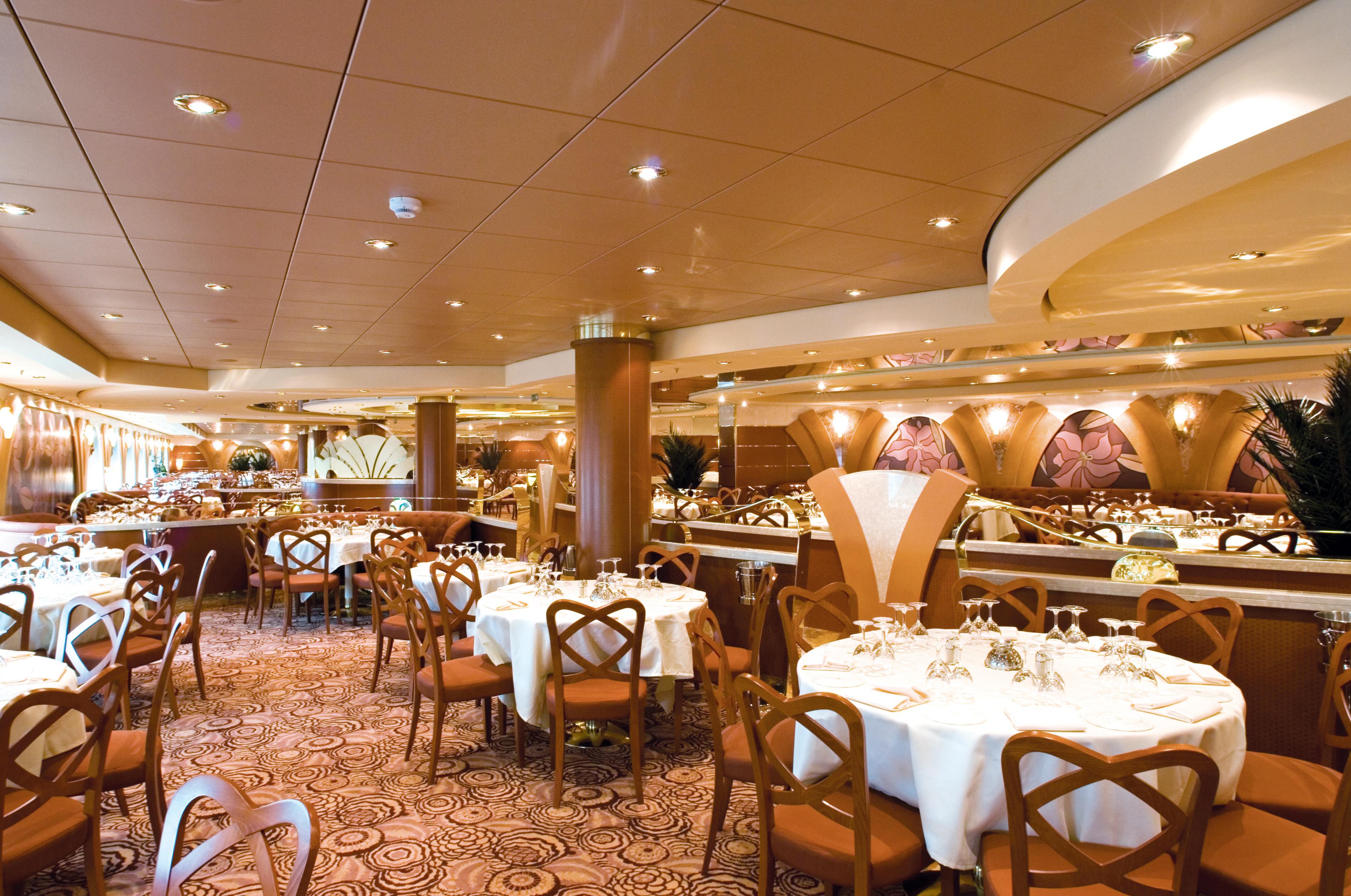MSC Musica Class main restaurant.jpg