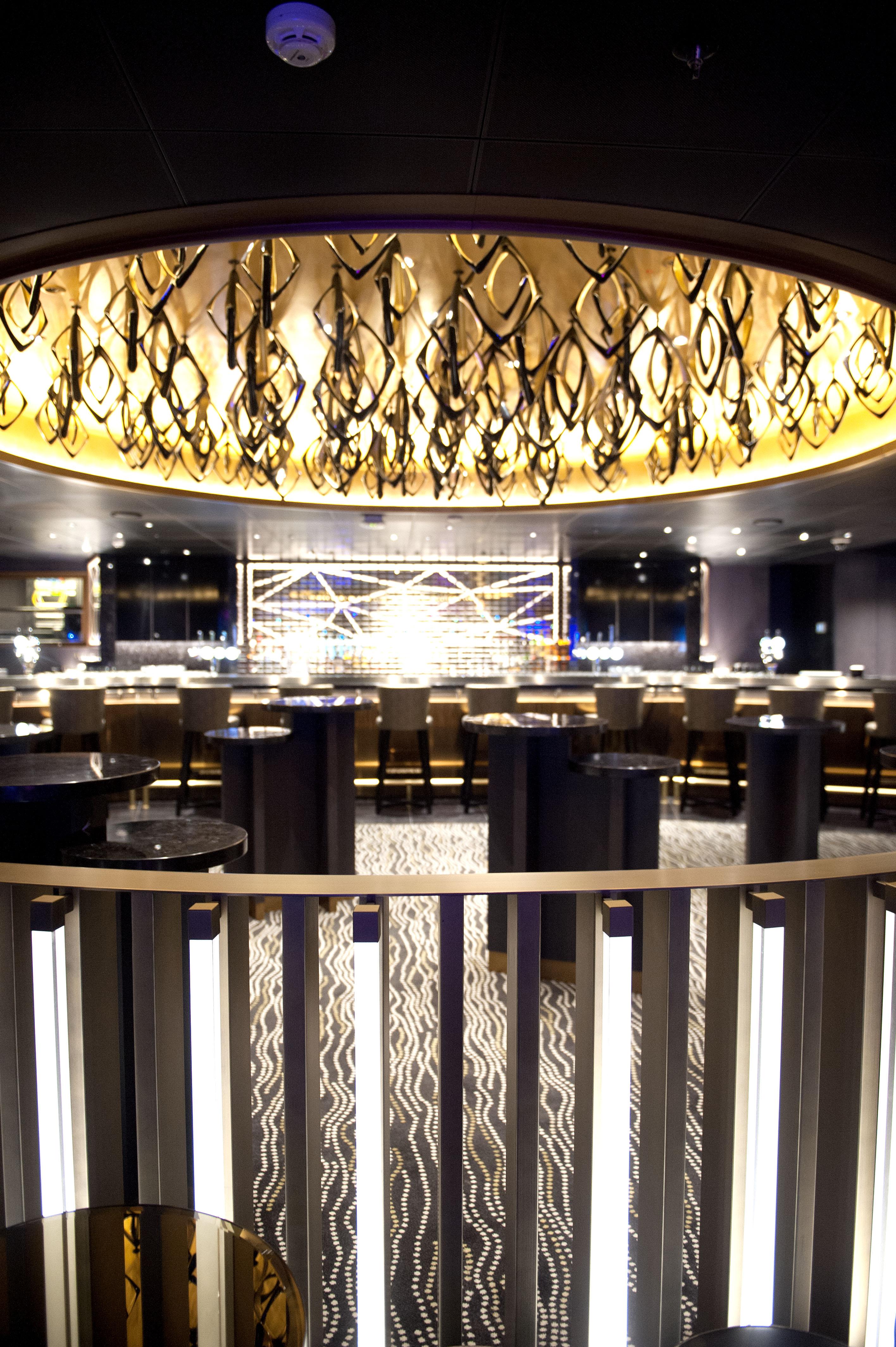 P&O Cruises Britannia Interior Live Lounge Nd32724.jpg